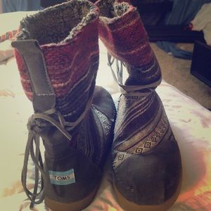 BRAND NEW TOMS BOOTS!!😍